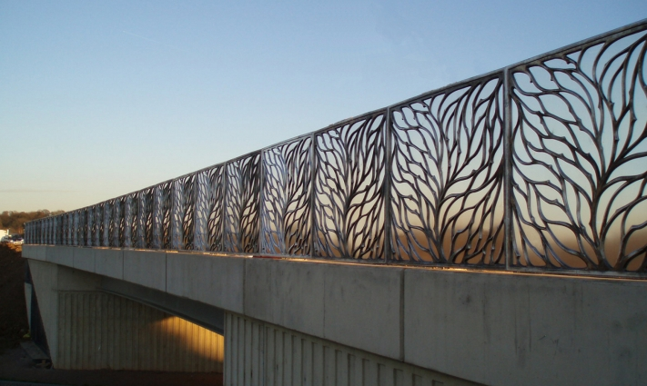Pineham bridge parapets