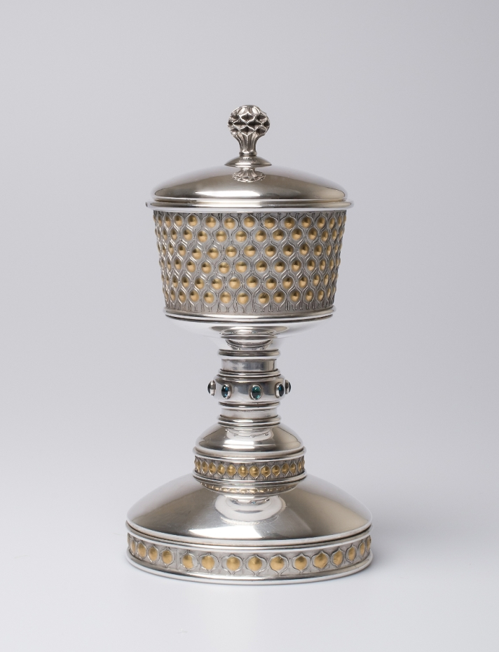 modern silver and gold chalice handcrafted by Wally Gilbert